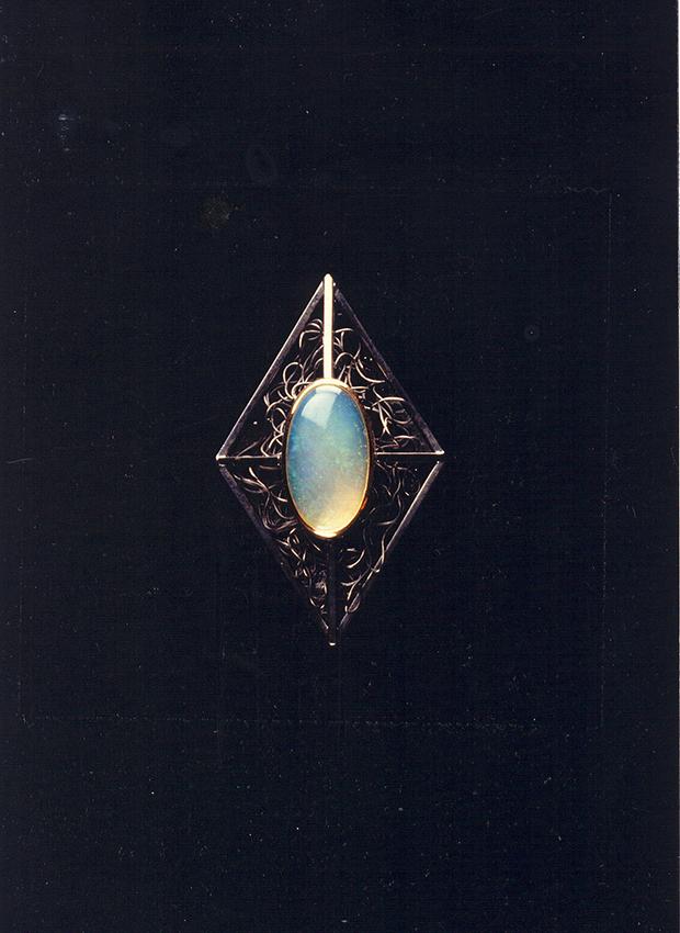 Broche Opale argent oxydé 1990